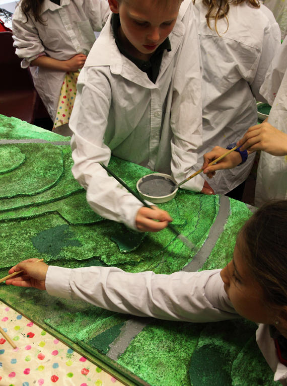 Keelham School Yr5 – painting the map model